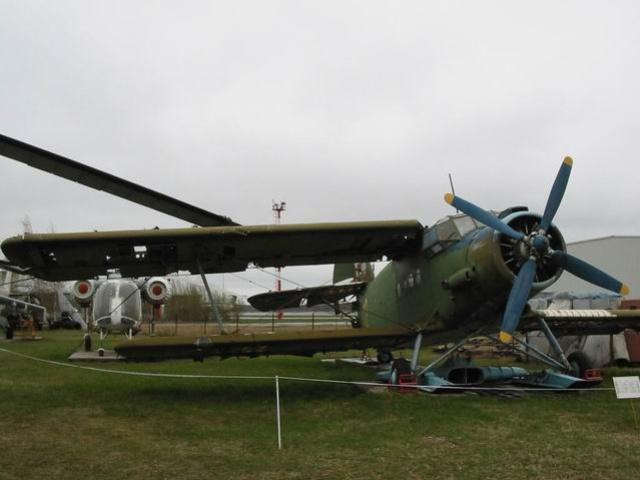 Ан-2 - Легкий транспортный самолет