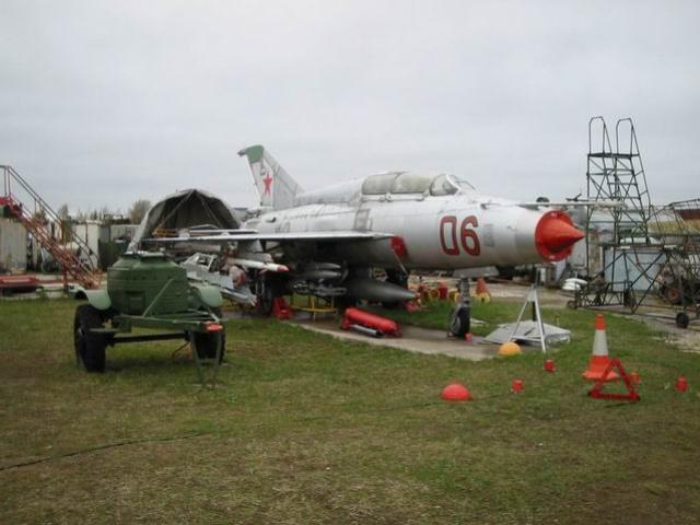Миг-21УС – Учебно-тренировочный истребитель