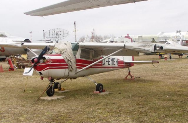 Cessna-150А - easy multi-purpose plane