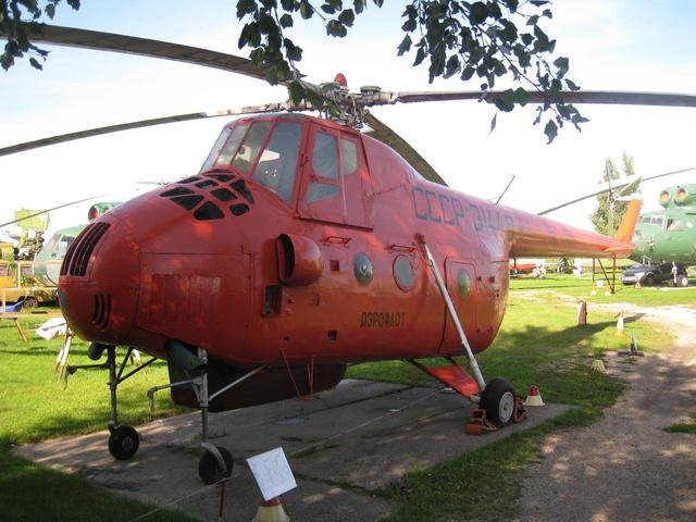Ми-4 – Военно-транспортный вертолет
